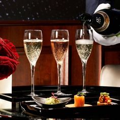 When dinning in London  / / The CHAMPAGNE Foundation for  pure love enchanting kisses and endless flow of champagne  / / #champagne #champagnelife #love #kiss #luxurylife #luxury #tokyo #beautiful #amazing #you #me #instagood #photooftheday #nofilter #hongkong #sanfrancisco #nyc #newyork #beverlyhills #ues #dinner #london #paris #monaco #knightsbridge #sydney #hamptons #party #manhattan #facebook by champagnefoundation