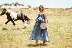 Ballen Pellettiere - Hexa Bag - Campaign Shot by Andrea Swarz - Model Camila Avella Horse Fashion, Spring Summer 2015, Ss16, Equestrian, Fashion Photography, Campaign, Horses, Model, Bag