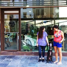 ¿Conocéis a Mónica y Andrea? Ellas son las chicas Mú y mañana nos invitan a #irdepropio a su tienda a conocer la primera colección de Marie Polet, delicadas prendas hechas a mano. ¡Además habrá vermut! Nos vemos en Mú!
