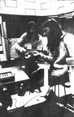 """more-relics:  """"Roger Waters and David Gilmour in studio,1971.  """""""
