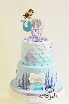 mermaid ocean First Birthday cake by Frost Me Sweet - Natalie's birthday party - first birthday cake-Erster Geburtstagskuchen Little Mermaid Cakes, Mermaid Birthday Cakes, 1st Birthday Cakes, 4th Birthday, Fondant Cakes, Cupcake Cakes, Sea Cakes, Girl Cakes, Cake Creations