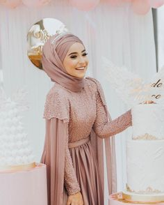 The picture may contain: 1 person Hijab Prom Dress, Hijab Evening Dress, Hijab Style Dress, Muslim Wedding Dresses, Muslim Dress, Bridal Dresses, Abaya Fashion, Muslim Fashion, Fashion Dresses