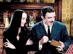 The Addams Family (TV series) - Starring John Astin Original Addams Family, The Addams Family 1964, Adams Family, Family Images, Family Photos, Morticia And Gomez Addams, John Astin, Family Tv Series, Versailles
