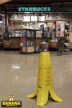 Banana wet floor Starbucks Coffee, Wet Floor Signs, Silly Things, Awesome Stuff, Geek Stuff, Banana, Flooring, Funny, Color