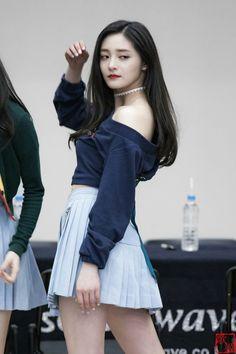 Girl Day, My Girl, South Korean Girls, Korean Girl Groups, Kim Chungha, Home Studio Photography, Aesthetic Women, Popular Girl, Korean Actresses