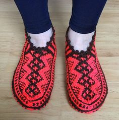 Hey, I found this really awesome Etsy listing at https://www.etsy.com/ru/listing/225577826/sale-hand-knit-phosphor-slippers