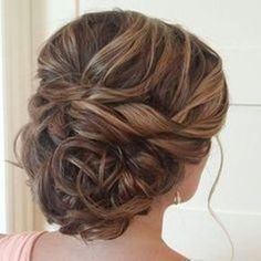 These Gorgeous Updo Hairstyle That You'll Love To Try! Whether a classic chignon, textured updo or a chic wedding updo with a beautiful details. These wedding updos are perfect for any bride looking for a unique wedding hairstyles… Homecoming Hairstyles, Wedding Hairstyles For Long Hair, Fancy Hairstyles, Wedding Hair And Makeup, Bride Hairstyles, Hair Makeup, Wedding Updo, Glamorous Hairstyles, Bridesmaid Hairstyles