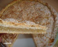 Manolete. Asi se llama este pastel en honor al torero cordobés, quien gustaba de este pastel en sus desayunos. Lo pedia a diario a la pasteleria.