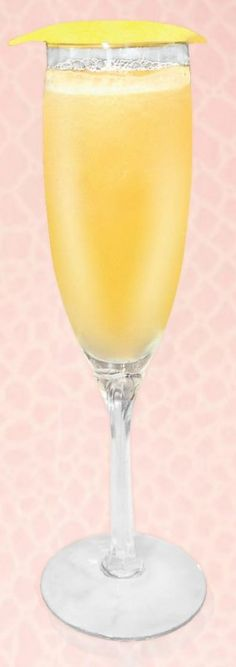 Mother's Day Brunch Cocktails: The Golden Bellini Cocktail Recipe