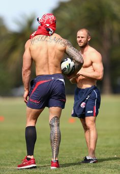 Sonny Bill Williams of the Roosters trains during a Sydney Roosters NRL training session at Moore Park on September 2013 in Sydney, Aust. (Made to Bleed, Built to BREED! Leg Tattoo Men, Leg Tattoos, Tatoos, Leg Sleeve Tattoo, Sonny Bill Williams Tattoo, Ta Moko Tattoo, Hot Rugby Players, All Blacks Rugby, Leg Sleeves