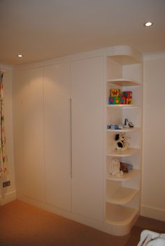 Bedroom wardrobe Fitted wardrobe in a children's room. Bedroom Built In Wardrobe, Bedroom Closet Design, Bedroom Furniture Design, Closet Designs, Bedroom Cupboard Designs, Bedroom Cupboards, Kids Room Design, Home Room Design, Boy And Girl Shared Bedroom