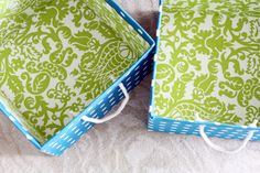 Great way to save a load of money on those fantastic fabric bins! Make your own from a simple cardboard box (I'm gonna use diaper boxes). Special thanks to IHeart Organizing: Project Pretty: DIY Fabric Boxes & a Link Party! Fabric Covered Boxes, Fabric Boxes, Fabric Basket, I Heart Organizing, Little Presents, Diy Storage, Fabric Storage, Storage Bins, Bedroom Storage