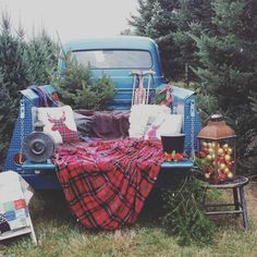 Many Blessings Photography, country Christmas photos, old truck, Christmas photo setup, Saum Family Tree Farm in Lancaster, OH