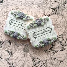 Just love the grey roses. Rose Cookies, Spice Cookies, Fancy Cookies, Flower Cookies, Wedding Shower Cookies, Wedding Cake Cookies, Bridal Shower, Sugar Cookie Frosting, Royal Icing Cookies
