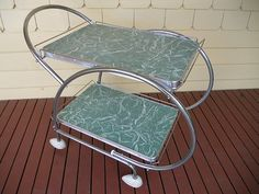 Love the rounded shape of this trolley! Vintage Tv Trays, Vintage Bar, Vintage Kitchen, Retro Vintage, Kitchen Carts, Kitchen Dining, Retro Table And Chairs, Formica Table, Serving Trolley