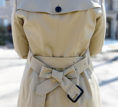 How-To-Tie-A-Burberry-Trench-Coat-Bow More