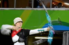 Lisa Unruh (GER) competes during an archery event at Sambodromo in the Rio 2016 Summer Olympic Games.