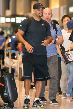 On the go: Jaden's dad Will Smith accompanied him on the trip Jaden Smith, Will Smith, Easy Work, Dads, Sporty, Celebs, Icons, Japan, Fashion