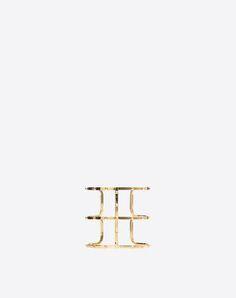 Stai cercando Bracciale Cuff Rockstud Valentino Garavani? Trova tutti I dettagli nell'Online Boutique e acquista ora le tue icone di stile.