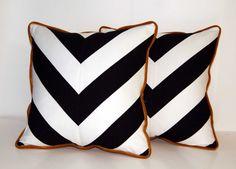 Black and White Chevron pillows ccduexvie