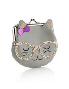 Cute novelty cat clip frame purse with ditsy print glasses and pink bow detail. Dimensions: L 12 cm x W 11 cm
