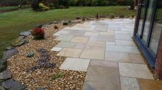 Image result for indian stone patio with gravel Back Garden Landscape Design, Curved Patio, Mediterranean Garden, Outdoor Landscaping, Back Gardens, Slate, Garden Ideas, Sidewalk, Gardening