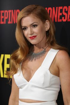 Isla Fisher at the 2016 premiere of 'Keeping Up with the Joneses. Beautiful Celebrities, Beautiful Actresses, Beautiful Women, Red Hair Inspiration, Isla Fisher, Gorgeous Redhead, Hottest Redheads, Celebrity Beauty, Celebrity Style