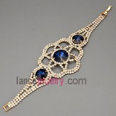 sophisticated bracelet with metal chain decorated with ocean blue crystal  and rhinestone in a flower model