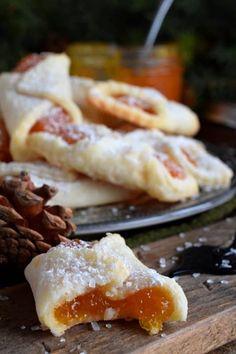 Apricot Danish Recipe, Apricot Kolache Recipe, Apricot Jam Recipes, Dried Apricot Pie Recipe, Kolache Recipe Czech, Baking Recipes, Cookie Recipes, Dessert Recipes, Recipe Using Dried Apricots