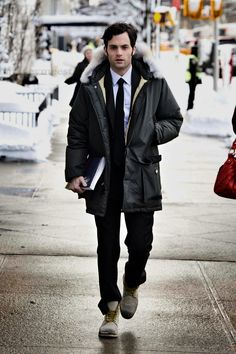 oh, penn badgley. i miss gossip girl...