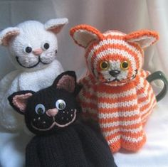 Knit your own cute cat tea cosy. For all cat lovers - one to sit on your table that won't lick the butter!  Easy to follow, written pattern, with