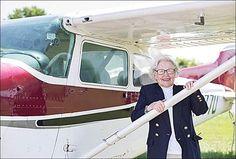 * A los 91 años de edad, se le cumple el sueño de ser piloto. * http://www.flyingmag.com/pilots-places/pilots-adventures-more/91-year-old-fulfills-dream-flight