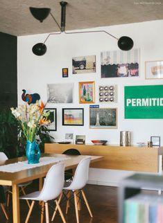 Este apartamento de 200 m² todo colorido e foi decorado pelo morador e fica em um cenário tipicamente paulistano