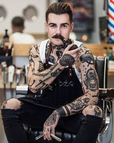 Perfect shot 👊💈🔥@den_cutting - #barber #moustache #tattoo #ink #tattoos #barbershop #oldschool
