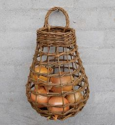 I have a group of these baskets in my kitchen I use them to store my onions and garlic. The were purchased at PA Arts Fair in Penn State 8 years ago and are still in perfect shape. Newspaper Basket, Newspaper Crafts, Paper Weaving, Weaving Art, Willow Weaving, Basket Weaving, Pine Needle Baskets, Basket Crafts, Bamboo Crafts