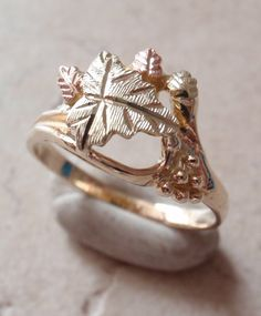 Vintage Modernist Abstract Pierced Work 10K Yellow Gold Domed Ring