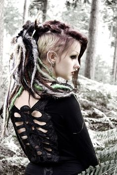 ☽ Forest Witch ☾ Dress: Queen of Darkness Earcuffs: Kunoichi Creations… Dark Fashion, Gothic Fashion, Fashion Beauty, Shaved Head Styles, Goth Hair, Witch Dress, Goth Model, Elf Costume, Synthetic Dreads