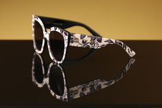 The world is coming up roses in your Gucci sunglasses!