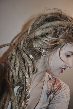 I seriously love her. Her dreads have always been so beautiful.