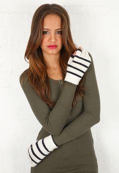 Etre Touchy Gloves in Ecru with Oxford Blue Stripe