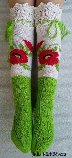 Cool Socks, Awesome Socks, Fair Isle Knitting Patterns, Boot Toppers, Knitting Socks, Knit Socks, Knitted Bags, Sock Shoes, Leg Warmers