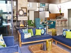 Mediterranean Decorating Styles with Blue Scheme Love the colors off-set by naturals.