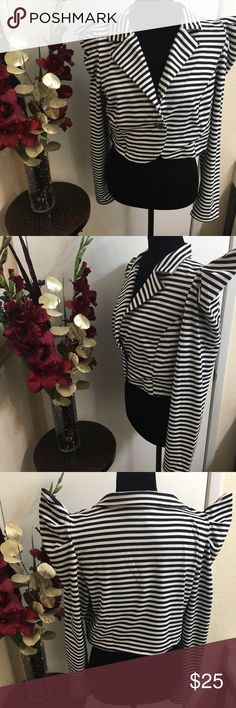 💜Black & White Unique Jacket💜✖️Price Firm✖️ This unique black and white stripped jacket is very edgy. The shoulders to this jacket for sure will make you and whatever outfit your wearing stand out. Unfortunately, this jacket was to small for me. My loss your gain. Fits like a plus size 14. Jackets & Coats