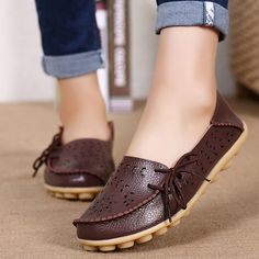 0611e4e9b  16.60 Big Size Breathable Hollow Out Flat Lace Up Soft Leather Shoes Low  Heel Shoes
