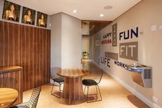 Ventura Wellness - Pesquisa Google Academia Fitness, Happy Fun, Conference Room, Divider, Wellness, Google, Table, Furniture, Home Decor