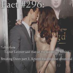 "1,343 Synes godt om, 3 kommentarer – Twilight Facts (@twilightfactss) på Instagram: ""~ Kristen's dress in the background is my favorite dress. If I were rich, I would buy something…"""