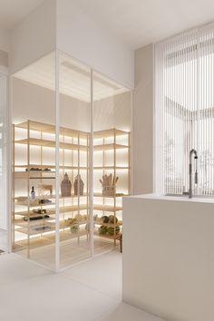 Minimalist white interior kitchen design + #verrière