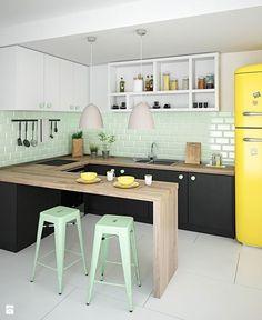 Cocina colorida en U. New Kitchen Cabinets, Ikea Kitchen, Kitchen Decor, Kitchen Walls, Deco Cool, Kitchen Remodel Cost, Scandinavian Kitchen, Kitchen Pictures, Interior Design Kitchen