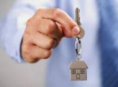 Thinking of being a real-estate agent, but do not know where to start? First, you would have to determine if this kind of career is the right one for you. Most people usually think that to be a successful real-estate agent, you just n Estate Lawyer, Locksmith Services, Vehicle Locksmith, House Keys, New Homeowner, Mortgage Rates, Home Ownership, Property Management, Being A Landlord