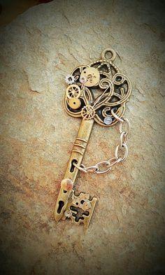 Steampunk key pendant # jewelry